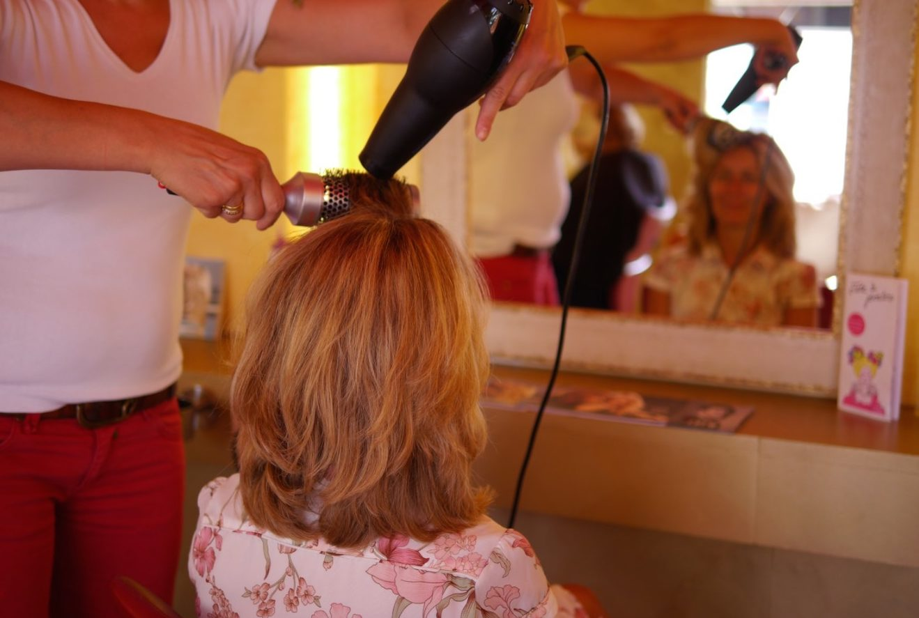 Specialists for colour and highlights